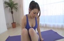 Flexible Asian slut teasing