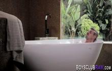 Bathing amateur fingers and barebacks