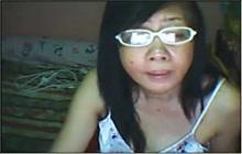 Mature Filipina solo on webcam