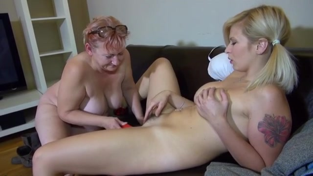 Self breast examine video