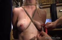Blondie loves bondage sex